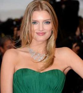 Lily Donaldson Height, Weight, Age, Measurements, Net Worth, Wiki