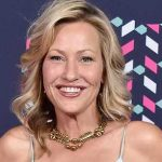 Joey Lauren Adams Height, Weight, Measurements, Bra Size, Age, Wiki