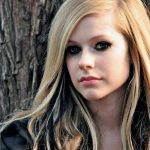Avril Lavigne Height, Weight, Measurements, Bra Size, Age, Wiki, Bio