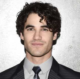 Darren Criss Height, Weight, Age, Measurements, Net Worth, Wiki