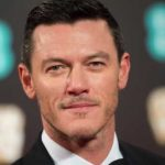 Luke Evans Height, Weight, Measurements, Age, Wiki, Bio, Family
