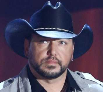 Jason Aldean Height, Weight, Age, Measurements, Net Worth, Wiki