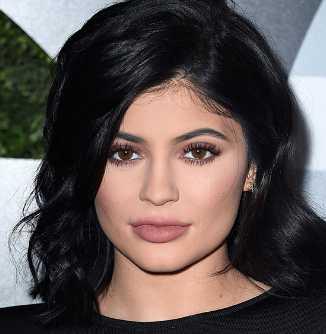 Kylie Jenner Height, Weight, Measurements, Bra Size, Age, Wiki, Bio