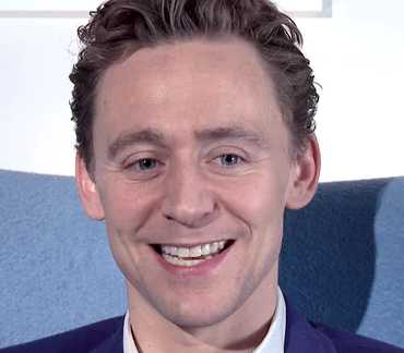 Tom Hiddleston Height, Weight, Measurements, Age, Wiki, Bio, Family