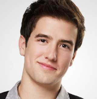 Logan Henderson Height, Weight, Measurements, Age, Wiki, Bio, Family