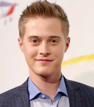Lucas Grabeel Height, Weight, Measurements, Age, Wiki, Bio, Family