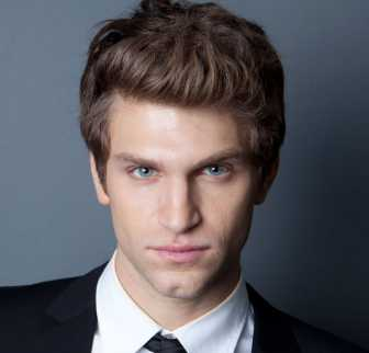 Keegan Allen Height, Weight, Measurements, Age, Wiki, Bio, Family