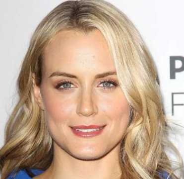 Taylor Schilling Height, Weight, Age, Measurements, Net Worth, Wiki, Bio