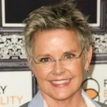 Amanda Bearse Height, Weight, Measurements, Bra Size, Age, Wiki, Bio