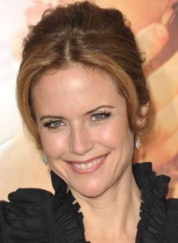 Kelly Preston Phone Number, House Address, Email Id, Contact Address