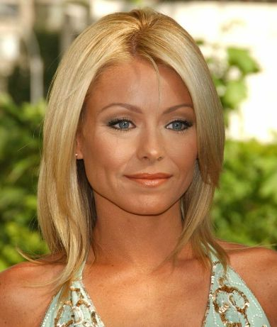 Kelly Ripa Phone Number, House Address, Email Id, Contact Address