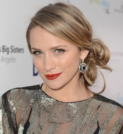 Shantel VanSanten Contact Address, Phone Number, House Address, Email ID