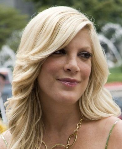 Tori Spelling Contact Address, Phone Number, House Address, Email ID