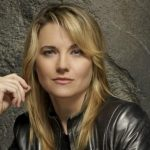 Lucy Lawless Height, Weight, Measurements, Bra Size, Biography