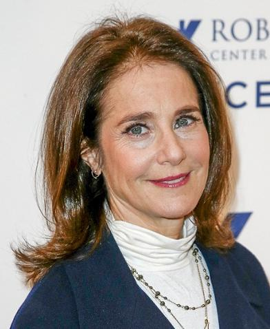 Debra Winger Measurements, Height, Weight, Age, Net Worth, Wiki