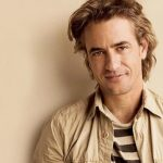 Dermot Mulroney Height, Weight, Measurements, Shoe Size, Biography