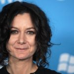 Sara Gilbert Height, Weight, Measurements, Bra Size, Shoe, Bio, Wiki