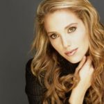 Elizabeth Berkley Height, Weight, Measurements, Bra Size, Age, Wiki, Bio