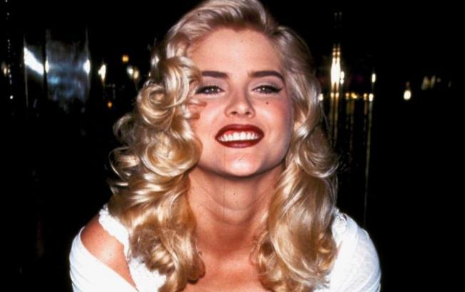 Anna Nicole Smith Height, Weight, Measurements, Bra Size, Age, Wiki, Bio