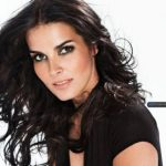 Angie Harmon Height, Weight, Measurements, Bra Size, Shoe, Biography
