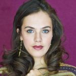 Jessica Brown Findlay Height, Weight, Measurements, Bra Size, Age, Wiki, Bio