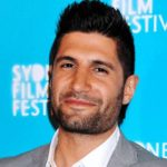 Kayvan Novak Height, Weight, Measurements, Shoe Size, Wiki, Biography