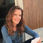 Robyn Lively Height, Weight, Measurements, Bra Size, Shoe, Biography
