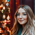 Zoe Sugg Height, Weight, Measurements, Bra Size, Shoe, Biography