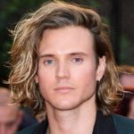Dougie Poynter Height, Weight, Measurements, Shoe Size, Wiki, Biography